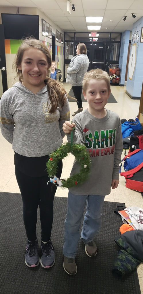 Students made wreaths to deliver to the residents at Preston Place.